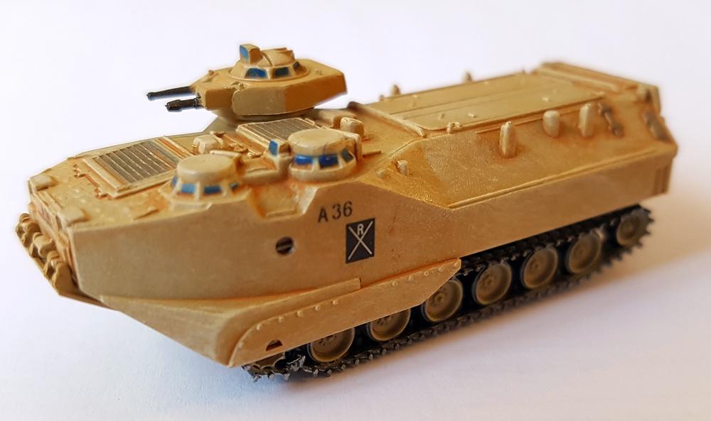 AAVP7A1, US Marines, Guerra del Golfo, 1991, 1:144, Trumpeter
