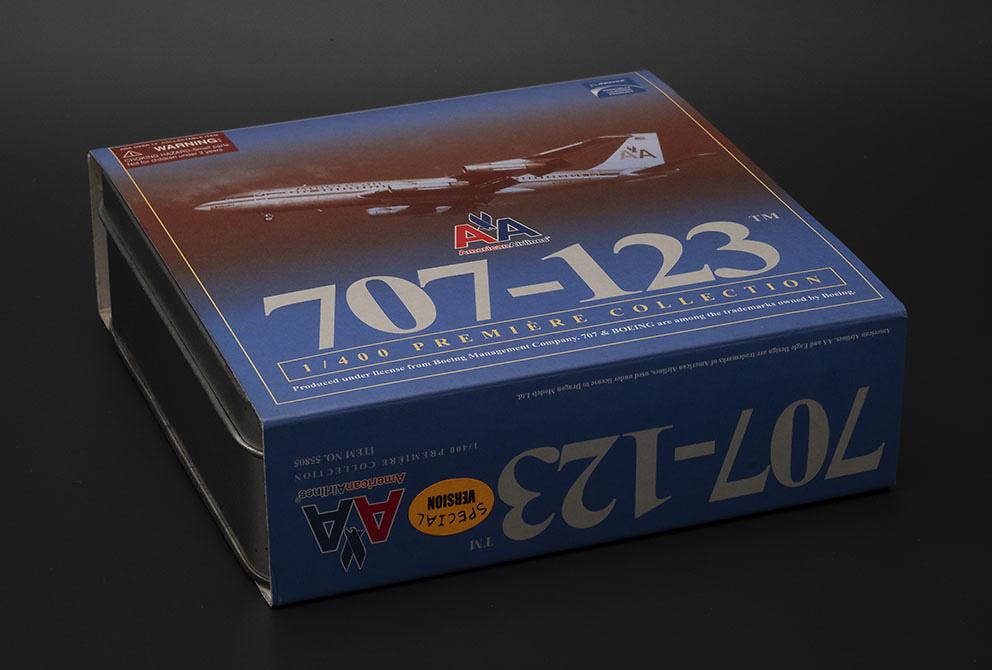 Boeing 707-123 American Airlines con pista de aterrizaje, 1:400, Dragon Wings
