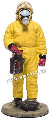 Bombero con traje de lucha química, Alemania, 1996, 1:30, Del Prado