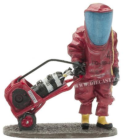 Bombero con traje de protección química, Francia, 2010, 1:30, Del Prado