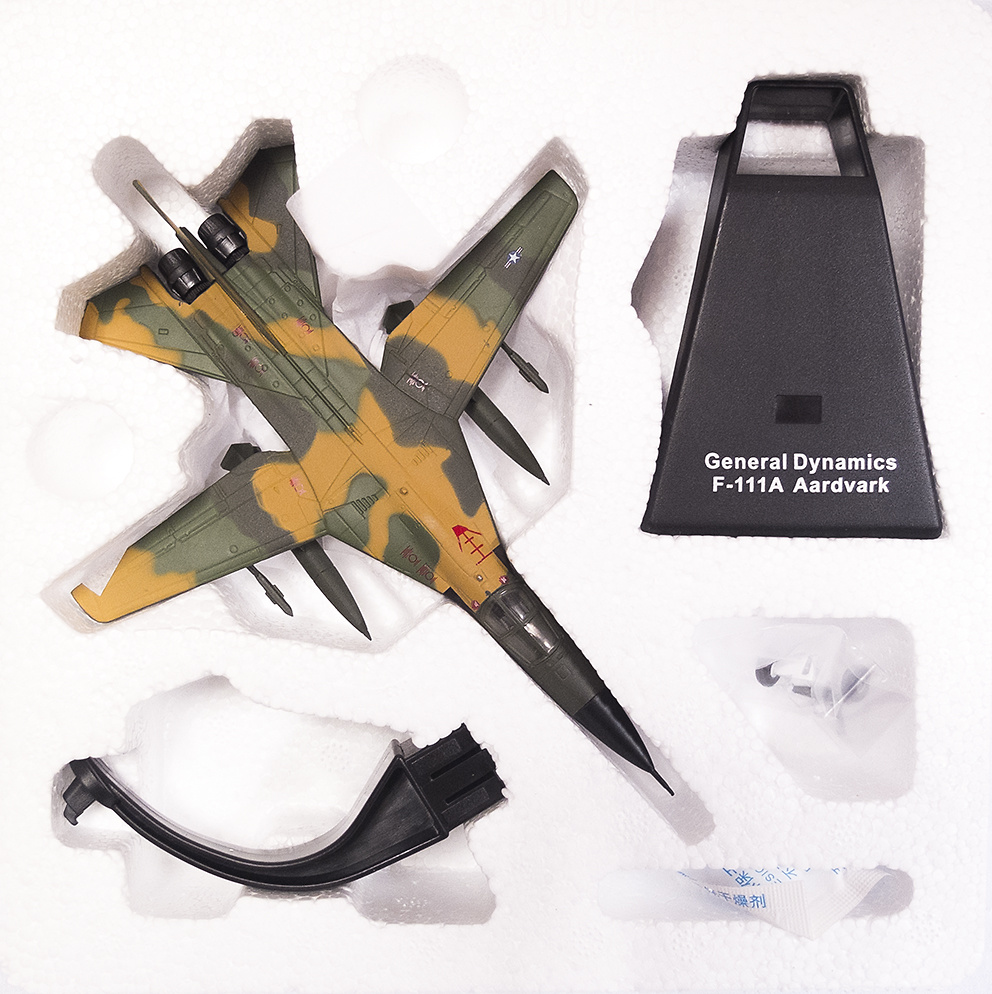 General Dynamics F-111A Aardvark, 1:144, Editions Atlas