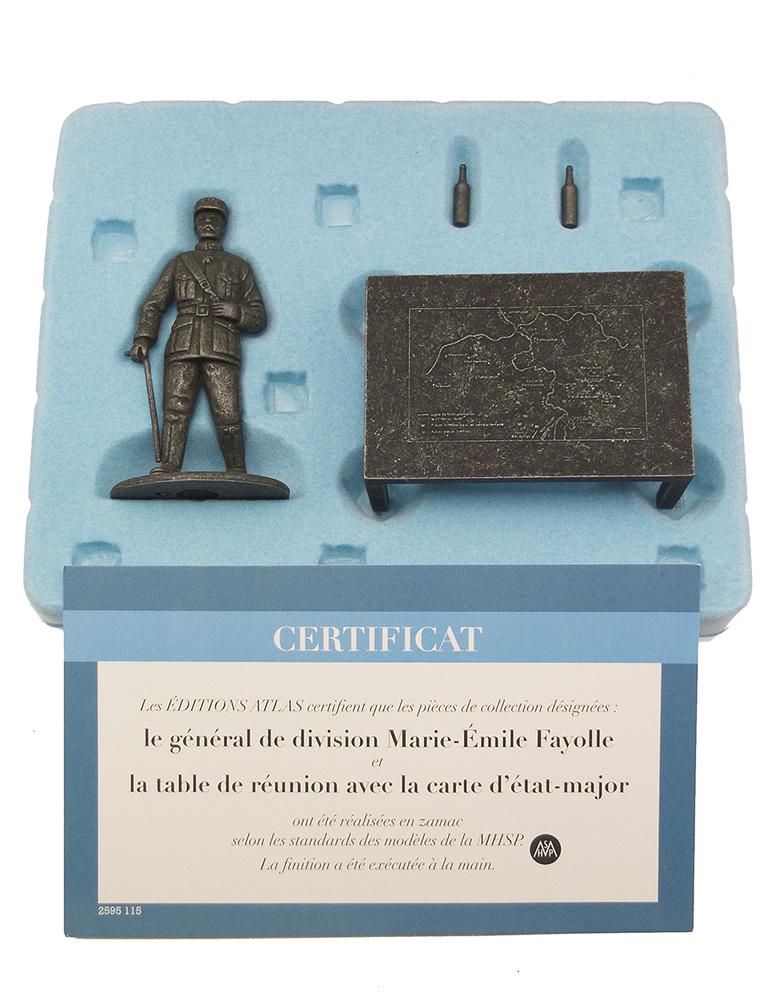 General de División Marie-Émile Fayolle con mesa y mapa del Estado Mayor, 1:24, Atlas Editions