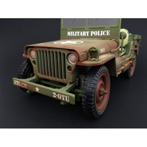 Jeep US Army, Policía Militar (con marcas de uso), 2ª Guerra Mundial, 1:18, American Diorama