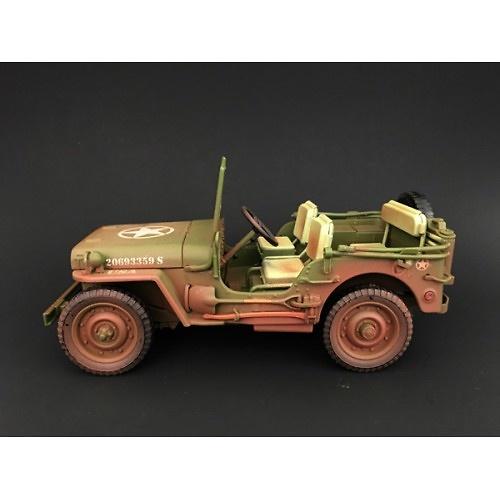 Jeep US Army, verde (con marcas de uso), 2ª Guerra Mundial, 1:18, American Diorama