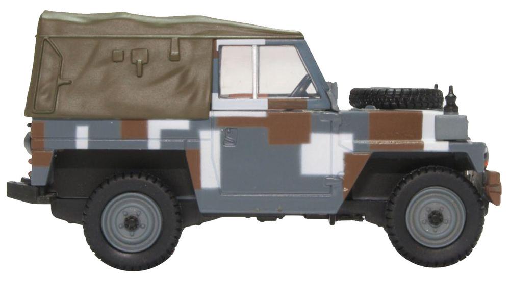 Land Rover Ligero 1/2 Ton, Techo de Lona, Esquema de Berlín, 1:76, Oxford