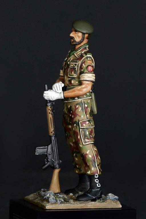 Soldado de la COE, años 80, Ejército Español, 75 m.m.