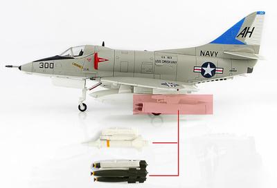 """A-4E Skyhawk 149959, VA-163 """"John McCain III"""" MK.82, Misiles Bullpup y placa base, 1/72, Hobby Master"""