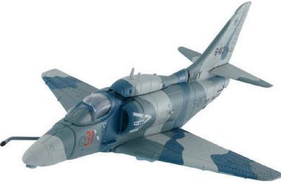 A-4M Skyhawk Buno 158413-VF-126, Naval Air Station, Miramar, CA 1992, 1:72, Corgi