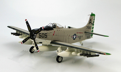 """AD-6 Skyraider USS Forrestal, VA-85 """"Black Falcons"""", 1959, 1:72, Hobby Master"""