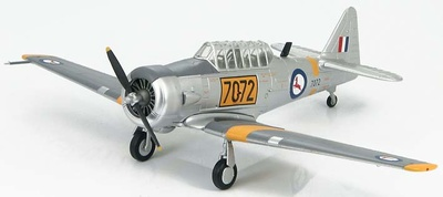 "AT-6 Texan Trainer South African Air Force ""7072"", 1:72, Hobby Master"