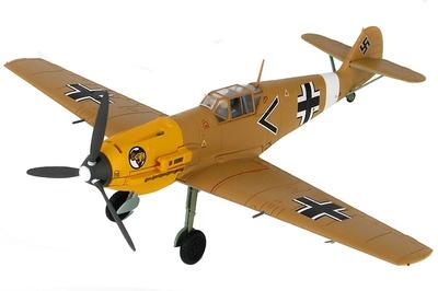 "BF 109E-7 Trop ""Black Chevron"", piloto Ludwig Franzisket, Gruppen-Adjutant  I/JG 27, Diciembre, 1941, 1:48, Hobby Master"