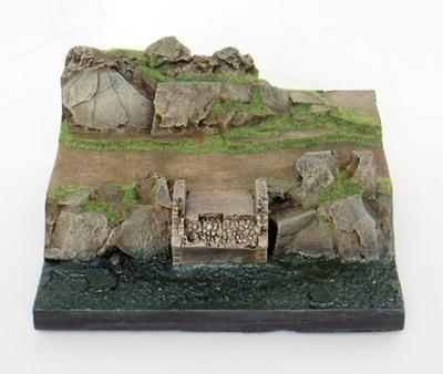 Base con rocas altas con río, en plástico, para pintar, 1:72, Mark Model