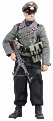 """Black Knight, Oblt. Ernst von Bauer"" German Panzer Commander #2, 1:6, Dragon Figures"