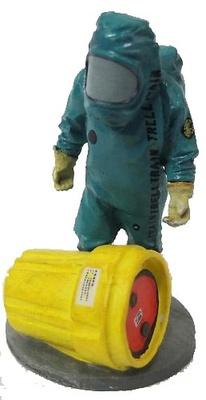Bombero con traje anti químicos, Bélgica, 2001, 1:30, Del Prado