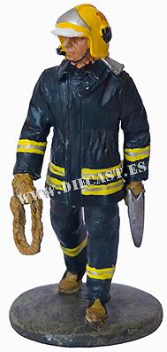 Bombero con traje ignífugo, Helsinki, Finlandia, 2003, 1:30, Del Prado