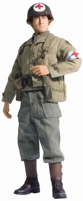 Doc Baker, U.S. Army Combat Medic, 1st Infantry Division, Francia, 1944, 1:6, Dragon