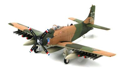 "Douglas A-1H Skyraider BuNo 139665 ""Lieutenant America"", Vietnam War, 1:72, Hobby Master"