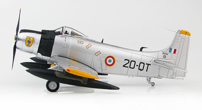 Douglas AD-4 Skyraiders EC-2/20, French Air Force, early 1960s, 1:72, Hobby Master