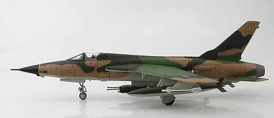 """F-105 Thunderchief 60-0424 """"MICKEY TITTY Chi"""" 34th TFS/388th TFW Korat RTAFB, Thailand 1967, 1:72, Hobby Master"""