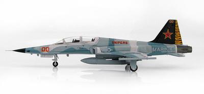 "F-5F Tiger II 761586, 25th Anniversary VMFT-401 ""Snipers"" MCAS Yuma, Arizona, Agosto, 2011, 1:72, Hobby Master"