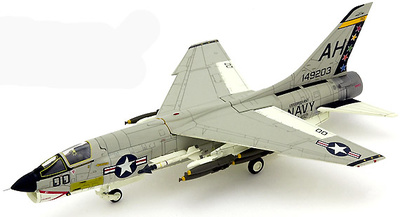 F-8E Crusader, U.S.NAVY VF-162 Hunters AH200, 1:72, Century Wings