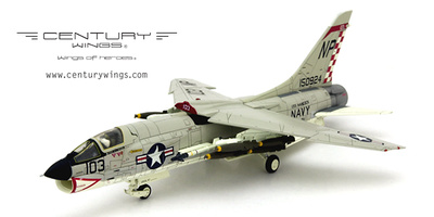 F-8E Crusader U.S.Navy VF-211, Fighting Checkmates NP103, 1:72, Century Wings