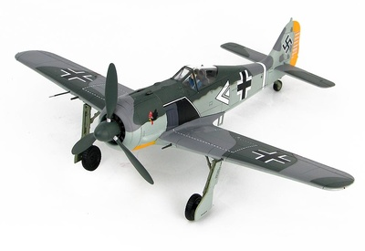 FW 190A-4, piloto Egon Mayer,  Gruppenkommandeur III./JG 2, Cherbourg-Theville, Febrero, 1943, 1:48, Hobby Master