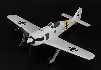 """FW 190A-4 """"White 8"""", 1. Staffel/I. Gruppe, JG.54, """"Walter Nowotny"""", Frente del Este, 1943, 1:48, Hobby Master"""