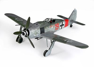 """FW190A.11 """"Red 19,"""" Ernst Schroder, 5./JG 300  """"Wilde Sau"""", 1944, 1:32, 21st Century Toys"""