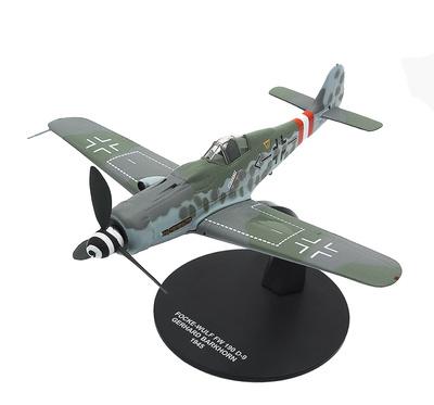 Focke Wulf FW-190 D-9, piloto Gerhard Barkhorn, 1945, 1:72, Atlas