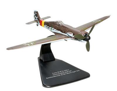 Focke-Wulf Ta 152, Luftwaffe Stab./JG 301, Josef Keil, Abril, 1945, 1:72, Oxford