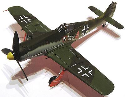 "Fw 190D JV 44 ""Red 4"" Karl-Heinz Hofmann, Mayo 1945, 1:48, Carousel"