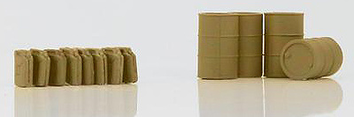 German Fuel Drums and Jerry Cans (tan), 1:72, Hobby Master