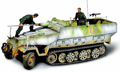 German SD.KFZ.251/9 Kanonenwagen, 1:32, Forces of Valor