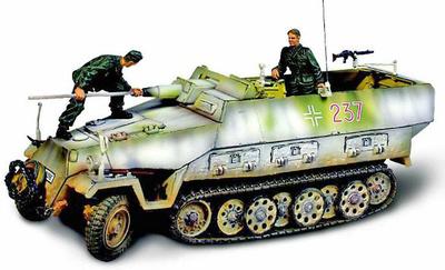 German SD.KFZ.251/9 Kanonenwagen, 1:32, Forces of Valor