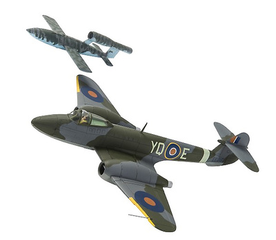 Gloster Meteor F.1, EE216/YQ-E, T.D. 'Dixie' Dean, RAF,  y Fieseler F- 103 V-1 'Doodlebug', 1944, 1:72, Corgi