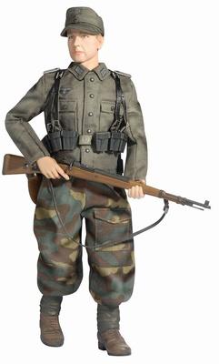 """Gustav Nafziger"" (Grenadier) Wehrmacht-Heer Volksgrenadier 246 Division, Frankfurt, 1945, 1:6, Dragon Figures"