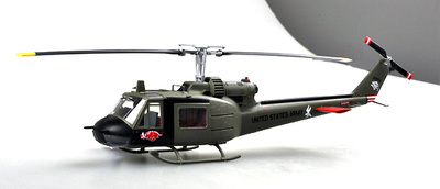 Helicóptero UH 1C of the 120th AHC, 3rd Platoon, 1969, 1:48, Easy Model