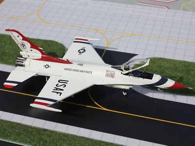 Lockheed Martin F-16, USAF Thunderbirds #2, 1:72, Gemini Aces