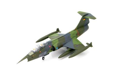 Lockheed TF-104G Starfighter 28+35, Luftwaffe, mid 1980s, 1:72, Hobby Master