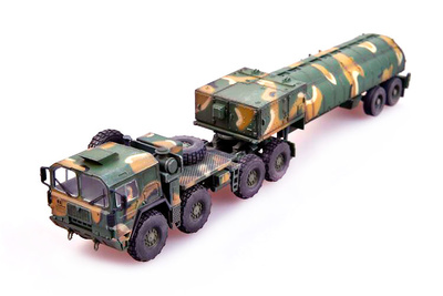 Man M1014 truck with Tractor & BGM-109G Gryphon with Cruise Missile, NATO, 1991, 1:72, Modelcollect