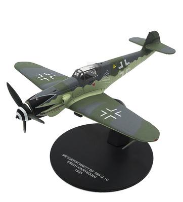Messerschmitt Bf-109 G-10, piloto Erich Hartmann, 1945, 1:72, Atlas