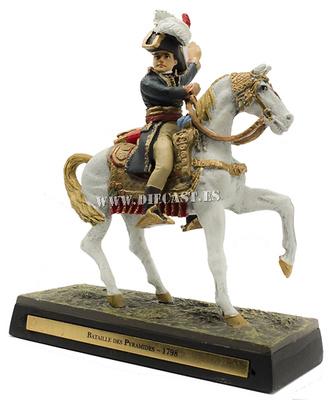 Napoleón victorioso en la Batalla de lLas Pirámides, 1798, 1:30, Ediciones Cobra
