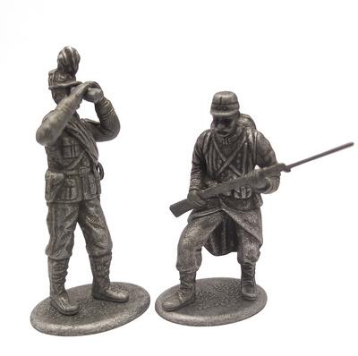 Oficial de la Escuela Militar Especial de Saint-Cyrien y Soldado de Infantería, Francia, 1914, 1:24,  Atlas Editions
