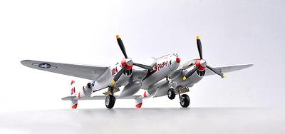 """P-38 Lightning """"124 Red"""", 1:72, Easy Model"""