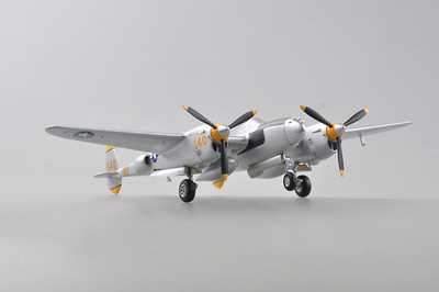 "P-38 Lightning ""Yellow 140"", 1:72, Easy Model"