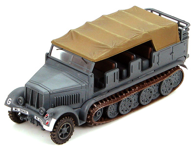 Sd. Kfz. 7 German 8 ton Half-Track Luftwaffe Air-Borne Tank Division, Summer 1941, Eastern Front, 1:72, Hobby Master