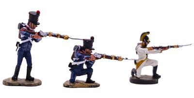 Soldado del Santo Imperio Austríaco + 2 soldados franceses de la Guardia Imperial, 1:60, Del Prado