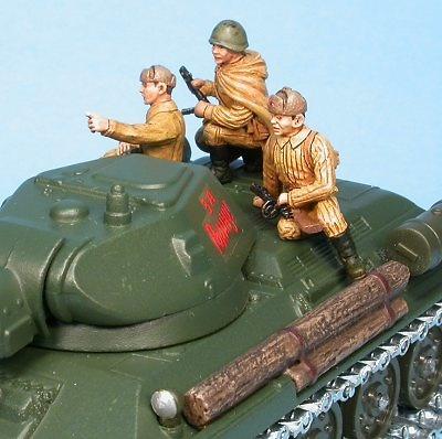Soldados y accesorios de T-34/85, 1:48, Gasoline