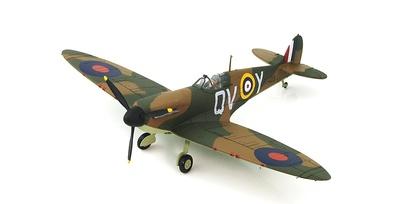 Spitfire Mk.IIa P7423/QV-Y, S/Lt. Blake No. 19 Sqn., October 1940, 1:48, Hobby Master